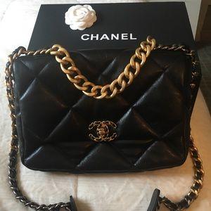 Authentic Gorgeous Chanel 19 large flap bag